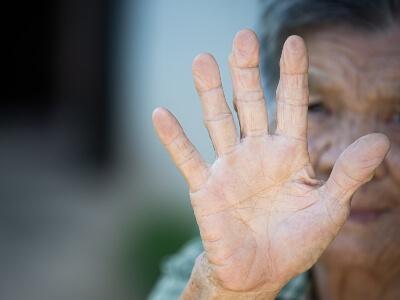 solicitar la incapacitación de una persona mayor